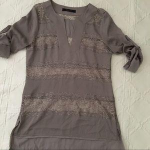 📚BCBG Taupe Lace Tunic